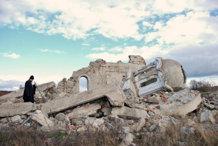 01-destroyed-church-in-kosovo-e1280505271758